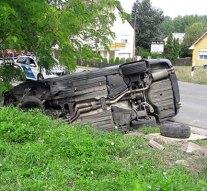Autóbaleset történt Leányváron