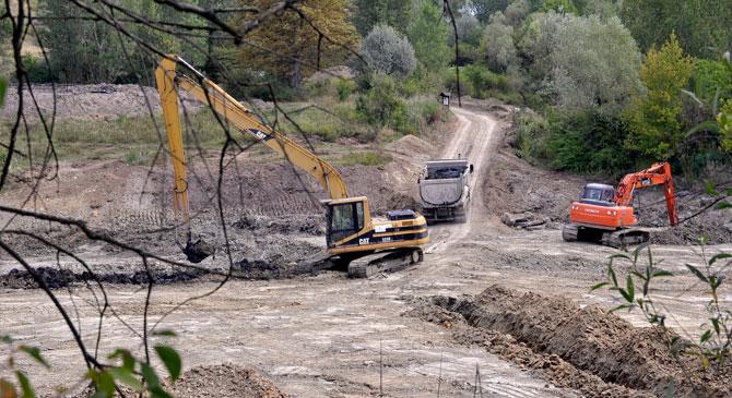 Szovjet szennyeződésektől tisztítják meg az esztergomi Strázsa-hegyet