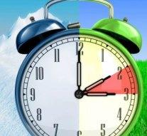 Egy órával többet alhatunk a hétvégén