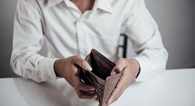 Alvó férfi pénztárcáját lopta el Dorogon