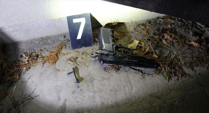 Komplett fegyverarzenállal indult a szomszédjához