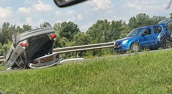 Három gépjárművet érintett a 117-es úti baleset