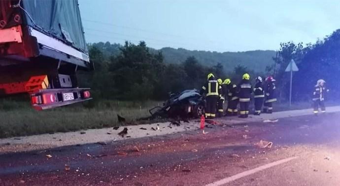 Súlyos baleset történt a 10-es úton
