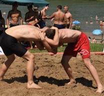 Strandbirkózó bajnokság a Palán