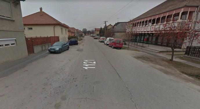Megújul a Fő utcai járda Sárisápon