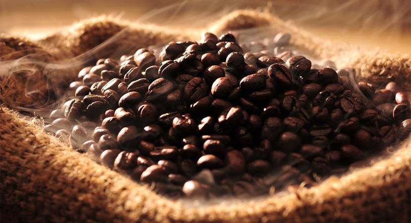 Így hozza ki a pörkölés a kávé zamatát