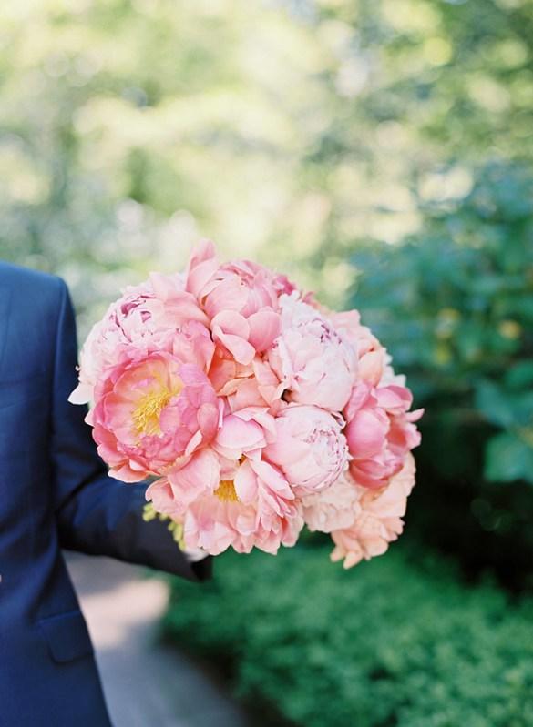 Wiosenny bukiet ślubny, wiosenne bukiety ślubne, bukiet ślubny na wiosnę, ślub na wiosnę, ślub wiosną, wesele na wiosnę, panna młoda, bukiet ślubny, bukiet ślubny z piwoni, jasne bukiety ślubne, spring wedding, spring flowers, spring bride