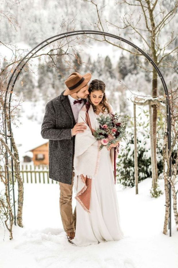 Zimowa Pra Młoda, Ceremonia ślubna zimą, Ślub zimą, Ślub w Święta, Ślub w Boże Narodzenie, Winter Wedding, Vinterbröllop, Mariage d'hiver, Winterhochzeit, Zimowy ślub, Zimowe wesele, dekoracje na Boże Narodzenie, Dekoracje na ślub zimą, Ślub w okresie zimowym