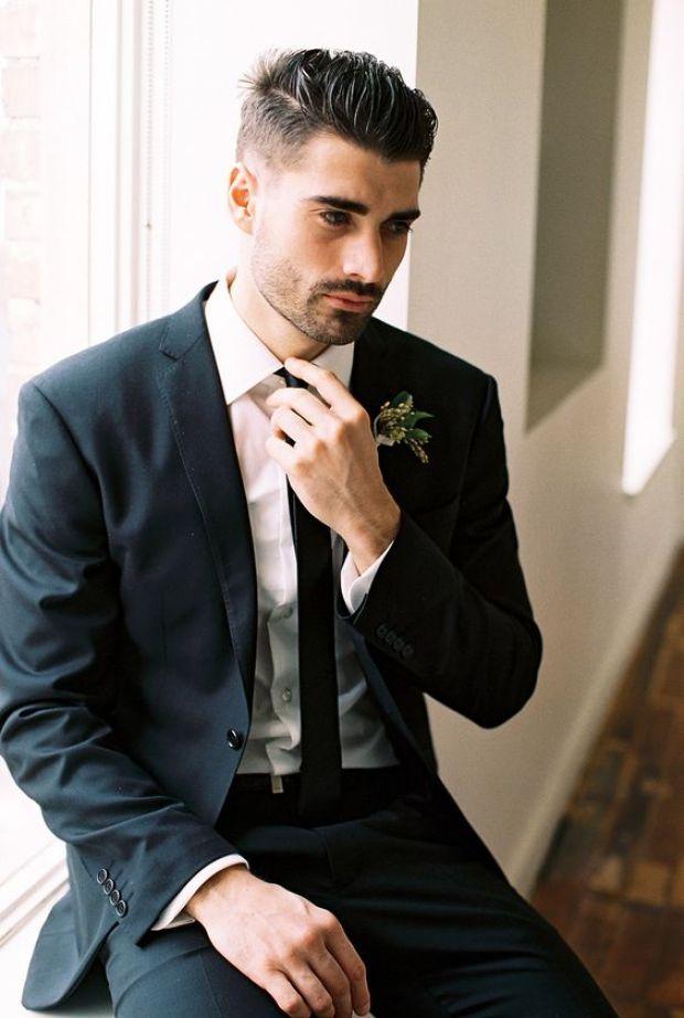 Garnitury zwężane w talii, garnitury męskie taliowane, garnitur slim, moda męska 2020, garnitury męskie, Pan Młody 2020, Slim Groom Attire
