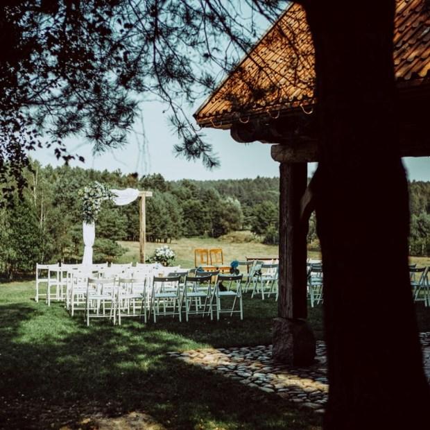 Ślub w stylu rustykalny, miejsce na ślub rustykalny, ślub plenerowy, dekorackje do ślubu w plenerze