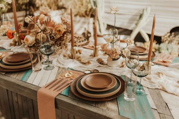 Dekoracja stołów, rustykalna sala weselna wystrój, orginalna dekoracja wesela, orginalny wystrój na wesele, rustykalne wesele, wedding planner Krakow, konsultant ślubny Kraków, Winsa Wedding Planners, Inspiracje ślubne, Blog ślubny dekoracje na wesele, najpiękniejsze dekoracje ślubne, wesele dekoracje, miejsce na wesele, dekoracje miejsca na wesele