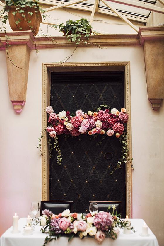 Trendy ślubne 2021 2022, miejsce na wesele Kraków, dekoracja sali na wesele, najmodniejsze kolory na ślub, kwiaty do ślubu, wesele w Krakowie, wesele z wedding plannerem, wedding planner Krakow