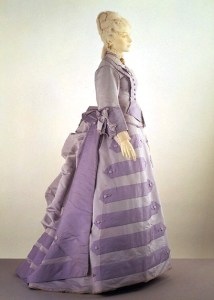 The original dress in the possession of the V&A museum.