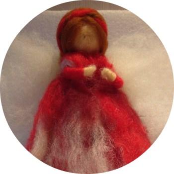 Rød filtet engel · Dorthe Vedel