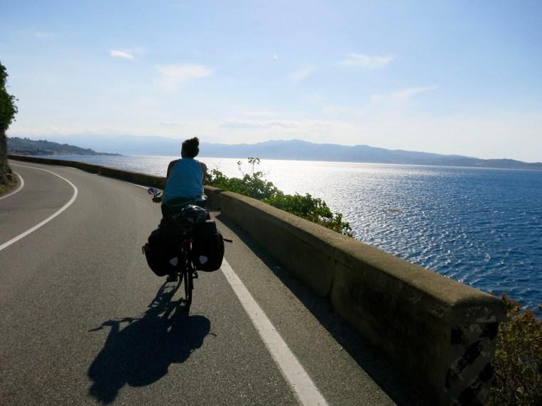 Pedaleando hacia Villa San Giovanni
