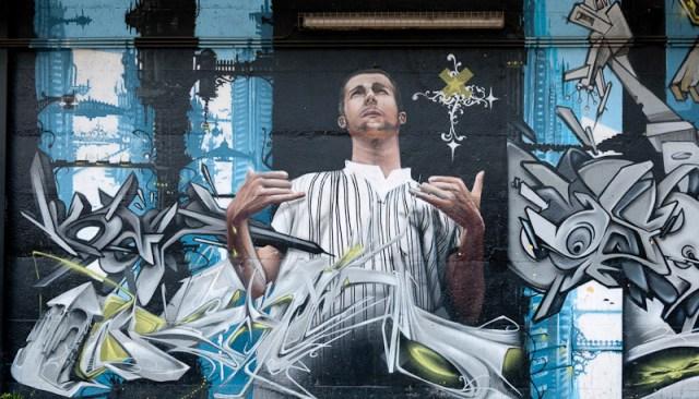Graffiti Wand an der Trambahn Haltestelle de Wand in Brüssel
