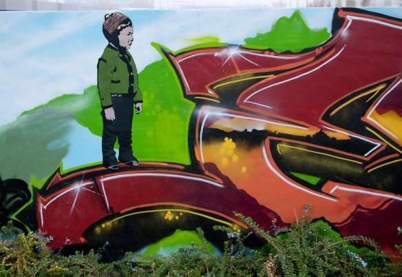 Graffiti an der Mauer zur ESWE in Wiesbaden