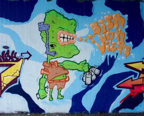 2013-04-11 X100 Graffiti Wiesbaden Tannhäuserstraße 009