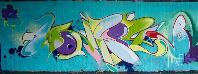 2013-04-11 X100 Graffiti Wiesbaden Tannhäuserstraße 012