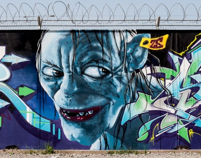 2013-05-05 D700 Graffiti Frankfurt EZB 009