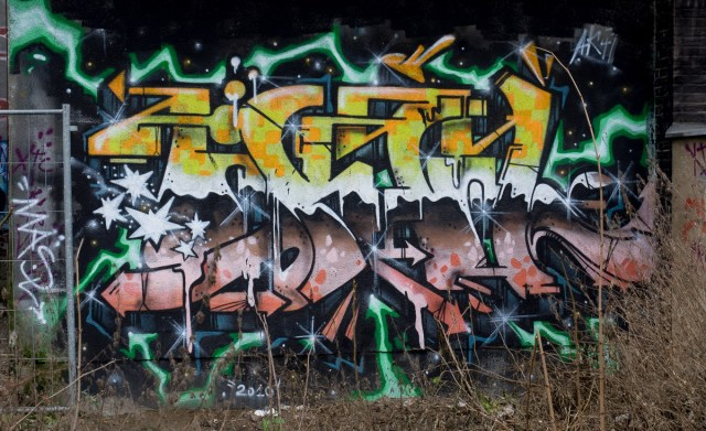 2014-01-29 EM1 Graffiti Frankfurt Ostbahnhof 007
