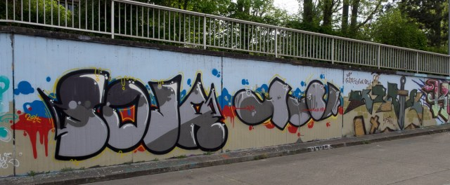2014-04-10 EM1 Graffiti Mainz 0031