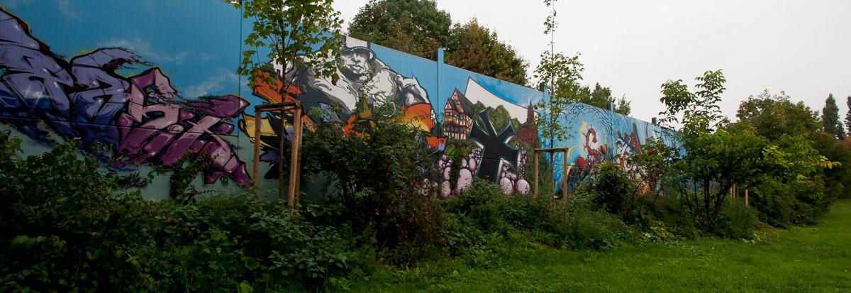 Wiesbaden / Delkenheim - Aktion Farbenfroh Projektwand