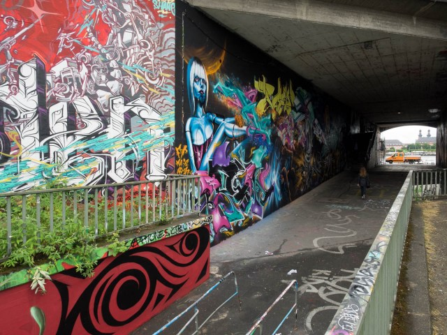 2015-06-18 EM1 Graffiti Mainz-Kastel MOS 2015 0123