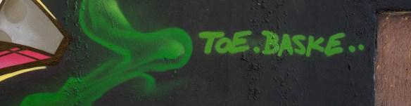 2015-09-29 EM1 Graffiti Frankfurt Friedensbrücke 0019