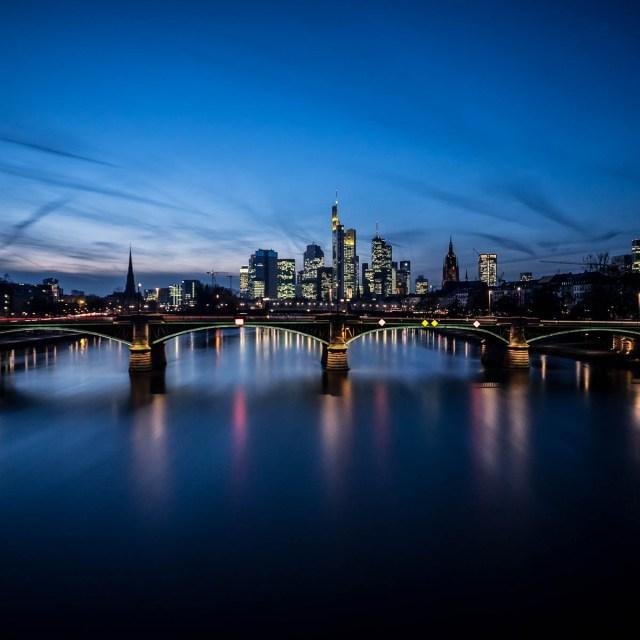 Frankfurt Skyline Flößerbrücke