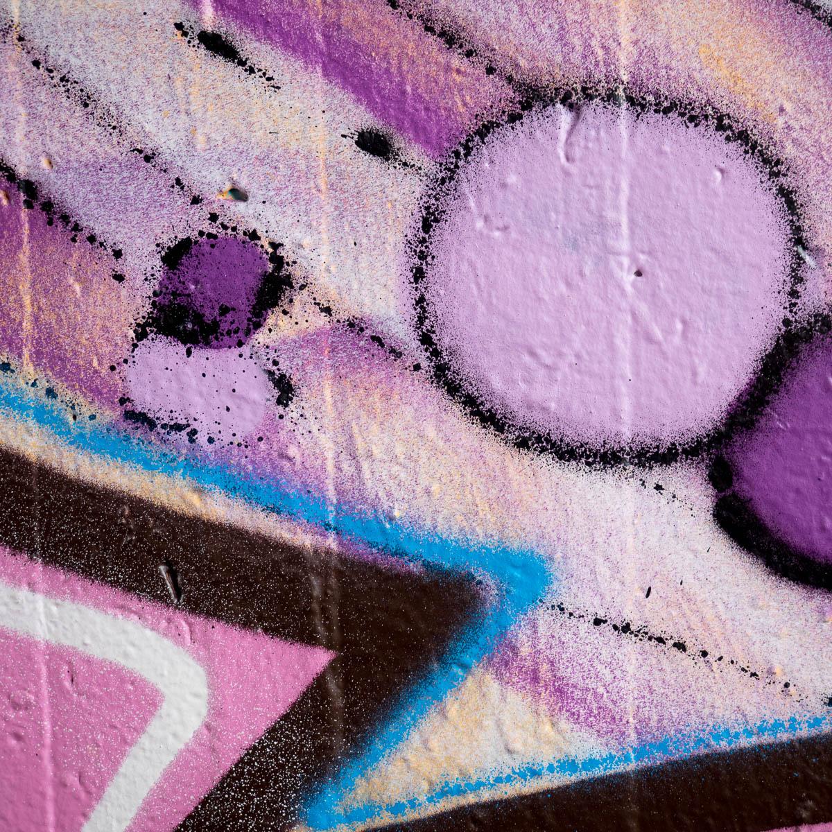 Graffiti in Frankfurt - Ill Zoo Crew - 3 mal 2500 Pixel (Ratswegkreisel 61)