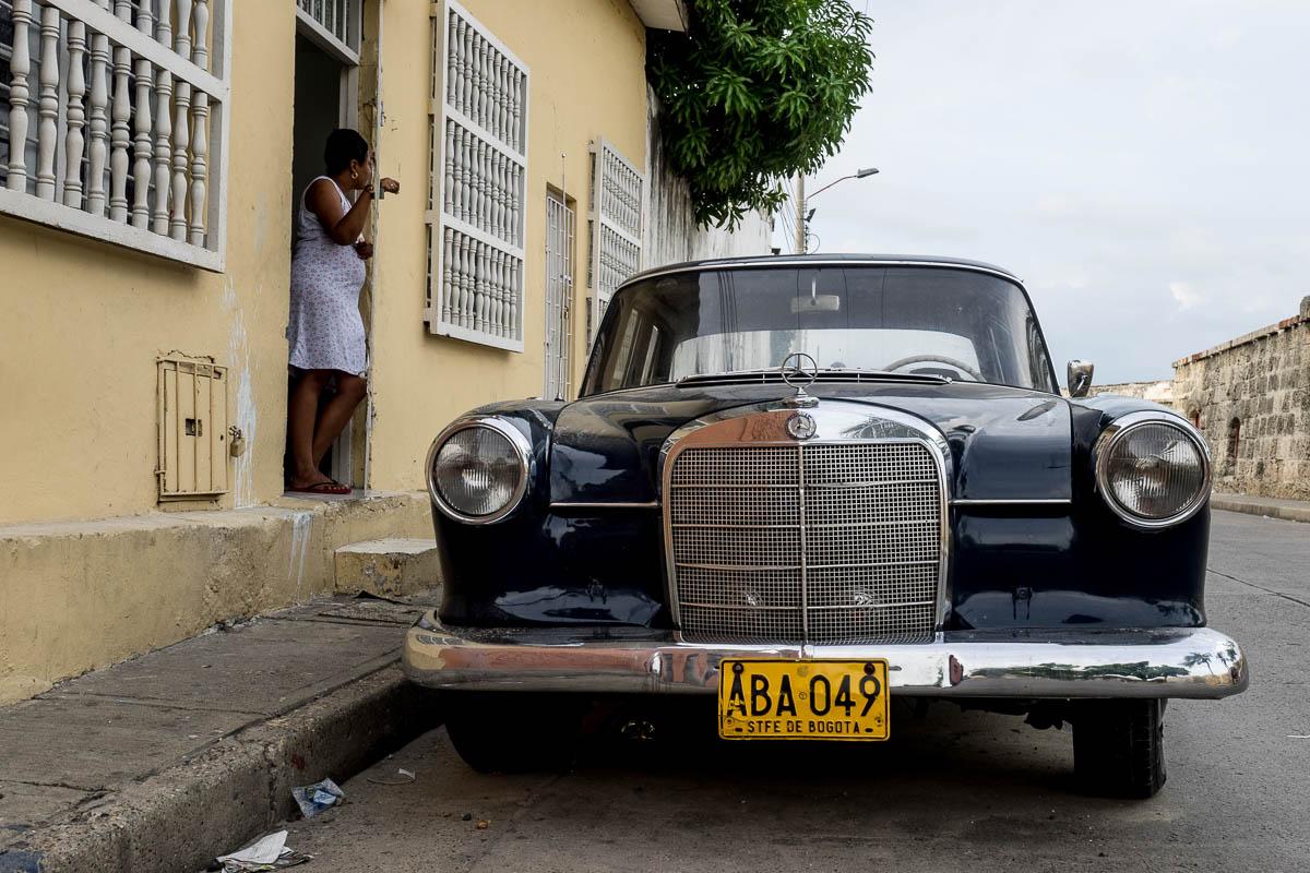 18 Oldtimer (PKW & LKW) in Kolumbien