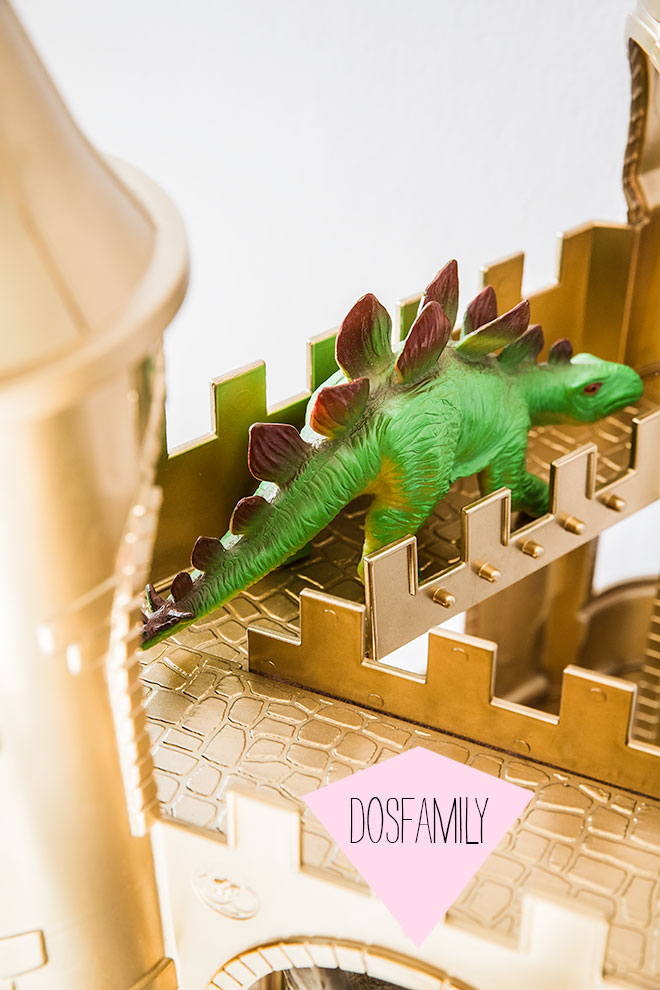 dosfamily-mylittlepony-castle-with-gold