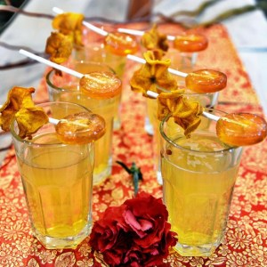 Cinnamon-Spiced Persimmon Turmeric Tea