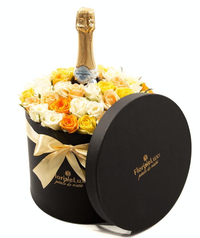 cutie cu flori, cadouri florarie online,jpeg