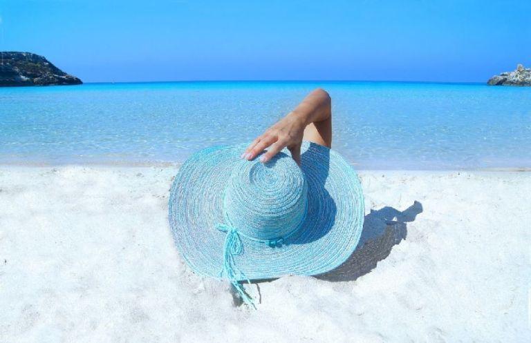 Какие опасности подстерегают нас на пляже летом