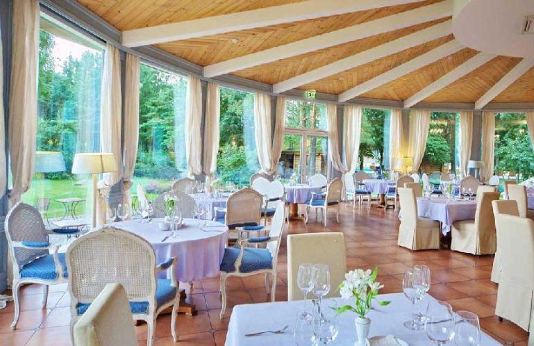 Почему лучше отмечать свадебное торжество в ресторане?