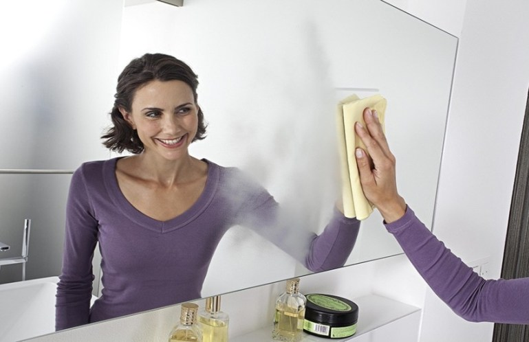 Как правильно чистить зеркало