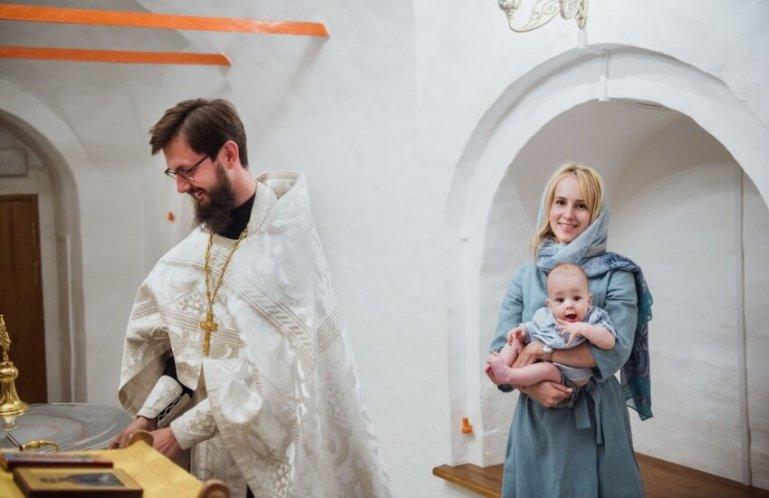 Как правильно вести себя на крестинах
