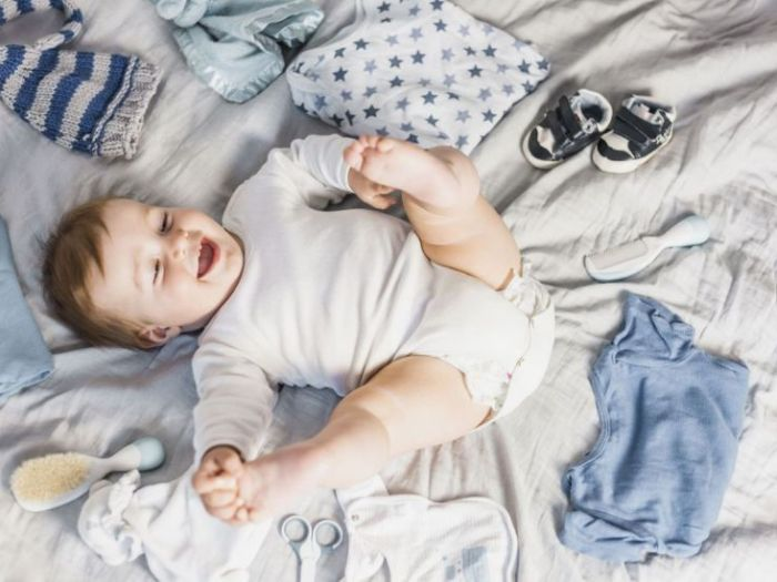 Распашонка – первая одежда для новорожденных