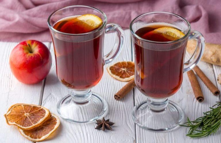Глинтвейн из красного вина с фруктами