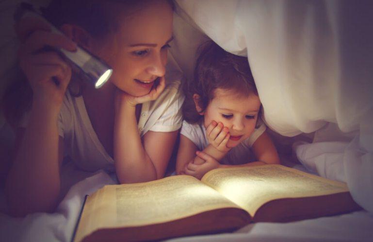 Чем занять ребенка перед сном - 17 увлекательных способов