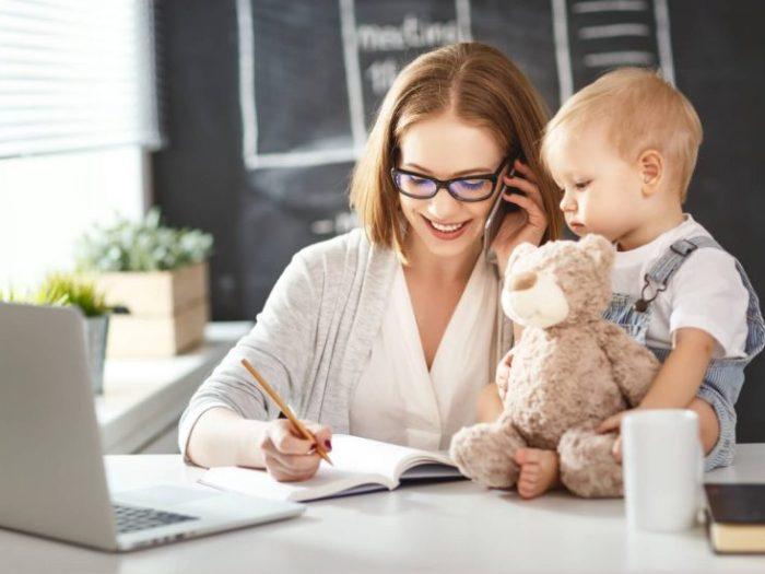 Преимущества и недостатки работы на дому в декрете