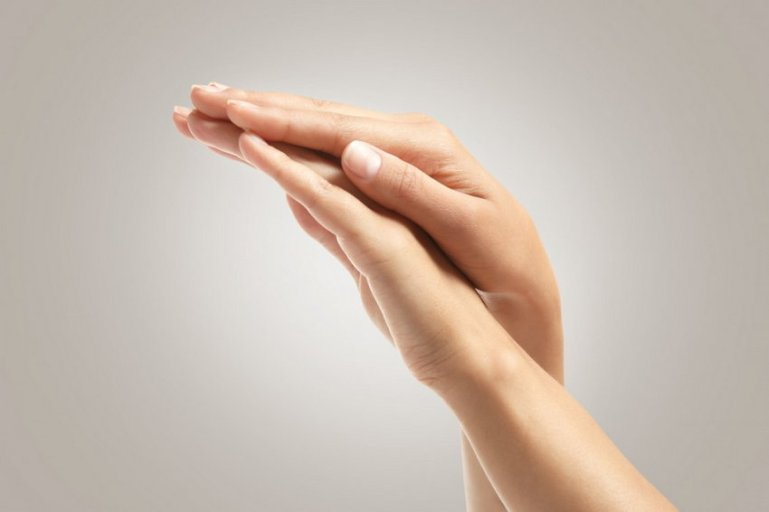 Народные рецепты по уходу за кожей рук в любой сезон