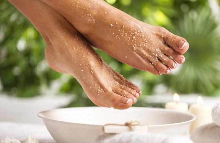 Уход за кожей тела: сахарный скраб