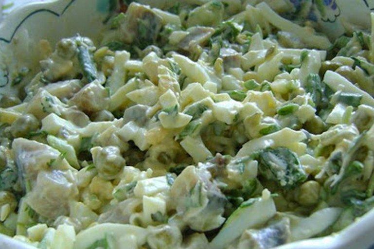 Рецепты салатов с консервированным горошком