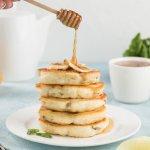 Как приготовить оладьи с начинкой – пять решений для быстрого завтрака