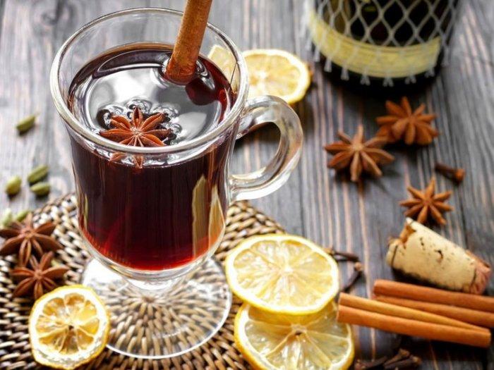 Как варить глинтвейн дома: рецепт согревающего напитка с сухим вином
