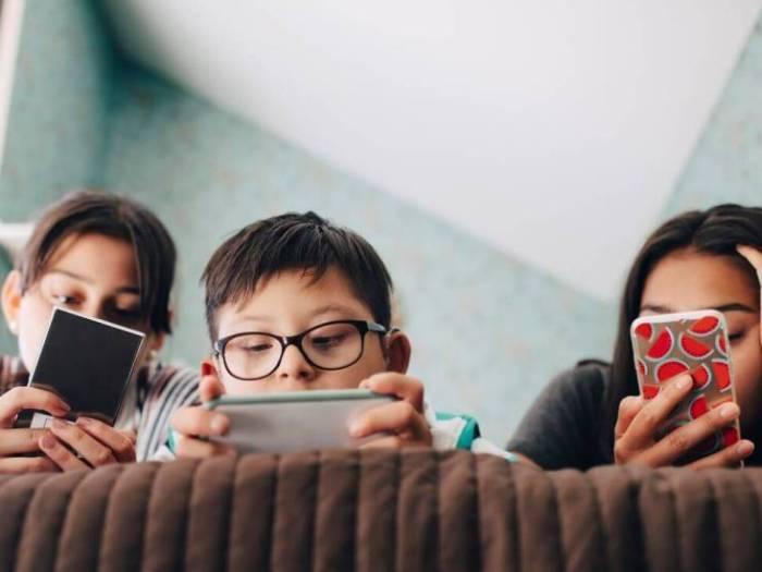 Что ответить ребенку на просьбу купить смартфон?
