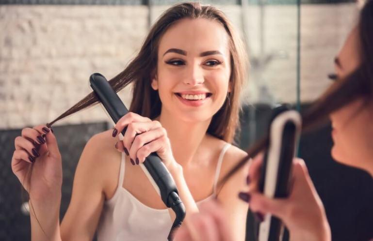 Как правильно выбрать щипцы-выпрямители для волос?